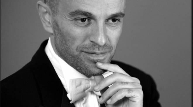 Il maestro Roberto Rizzi Brignoli