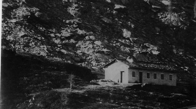 Il vecchio rifugio dei Laghi Gemelli
