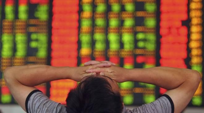 Panico sui mercati: crollano le Borse, dalla Cina all'Europa
