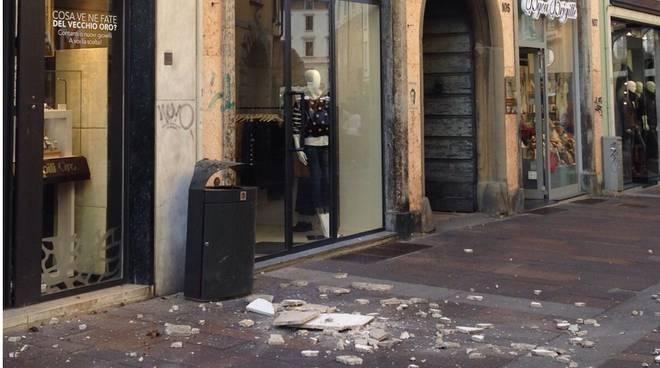 Calcinacci in via XX Settembre a Bergamo