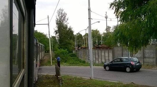 I carabinieri al passaggio a livello di Montello