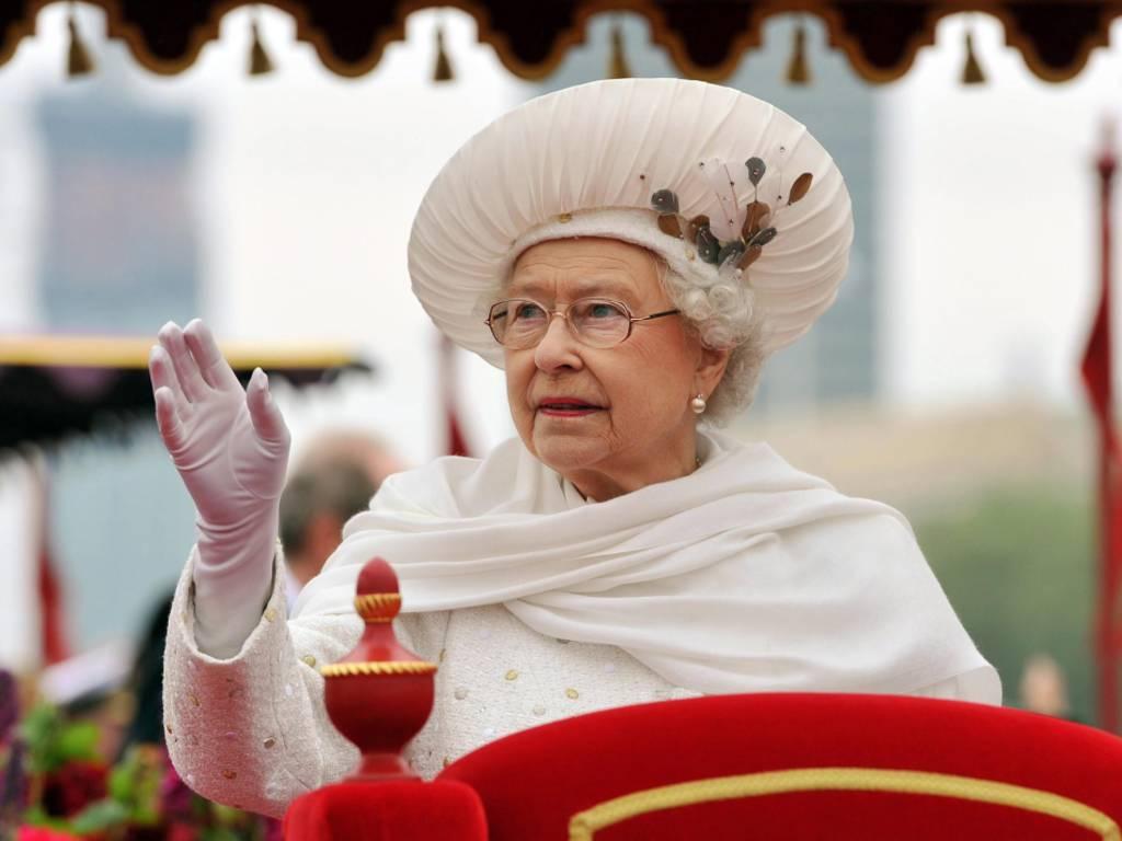 Il record della regina Elisabetta: 23.226 giorni di regno