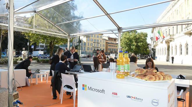L'ufficio a cielo aperto in piazza Matteotti