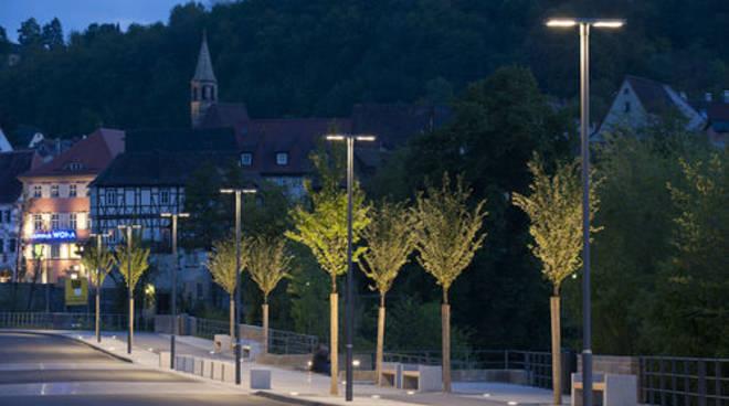 Parte la nuova illuminazione mila lampioni a bergamo bergamo