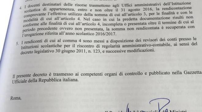 Tweet del premier Renzi: decreto 500 euro ai prof