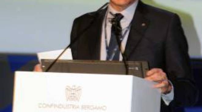 Ercole Galizzi all'assemblea di metà mandato in Confindustria