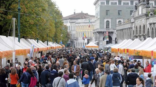 Folla per BergamoScienza domenica 4 ottobre