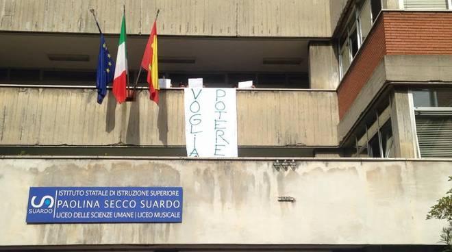 La protesta al Secco Suardo di Bergamo