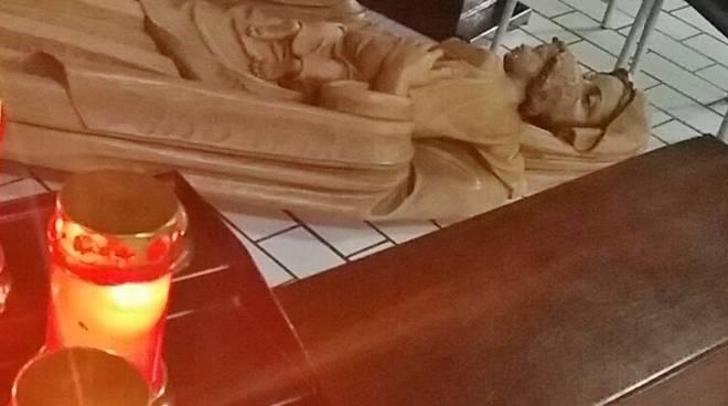 La statua della Madonna rovinata a Valtesse