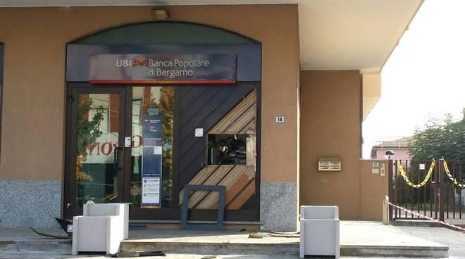 Lo sportello della banca di Bariano