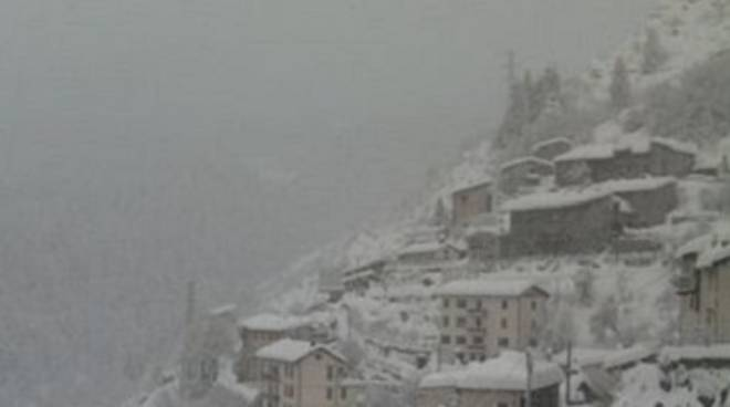 Neve sulle Alpi nel weekend