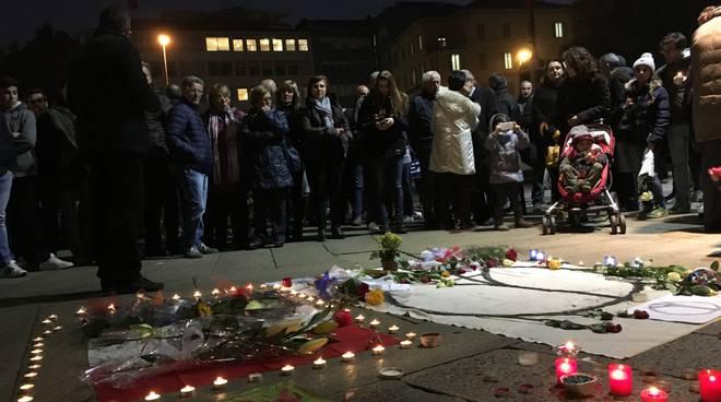 Bergamo in piazza per le vittime di Parigi