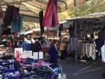 Clienti al mercato dell Malpensata