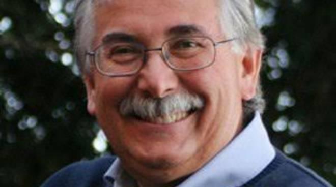 Gian Antonio Stella martedì 24 alla Casa del Givane