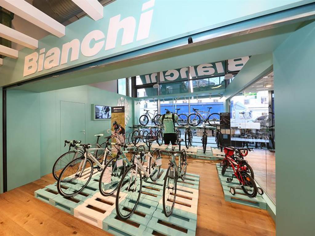 Il nuovo negozio Bianchi
