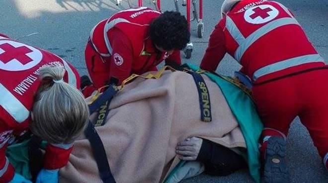 L'anziano soccorso a Ponte San Pietro
