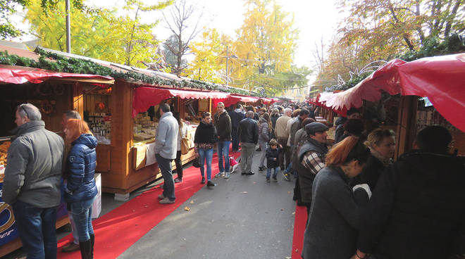 Bergamo, si accende il Villaggio di Natale fotogallery