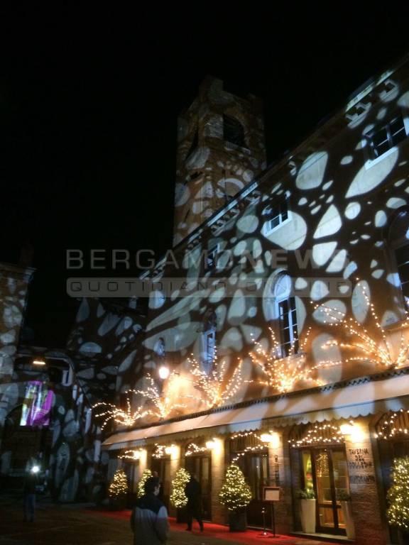Piazza vecchia bergamo luci led