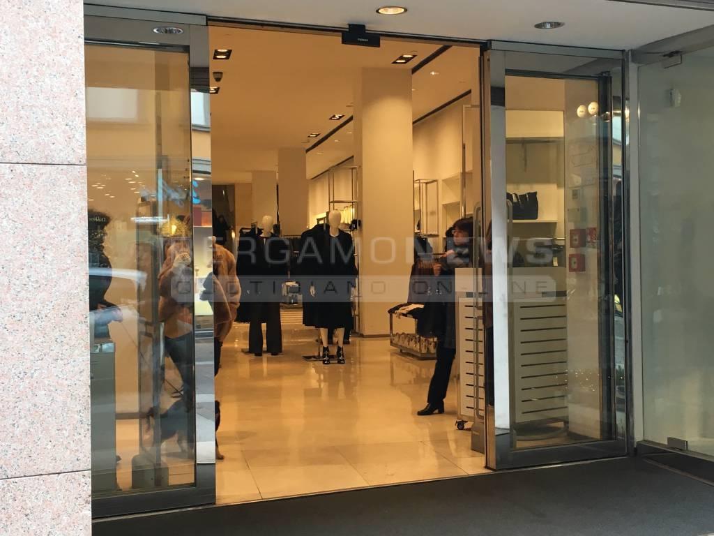 Porte aperte negozi divieto ordinanza
