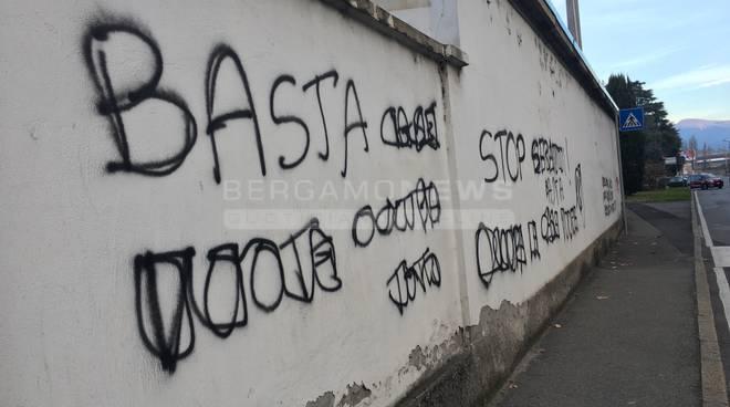 Scritte graffiti cancellati bergamo