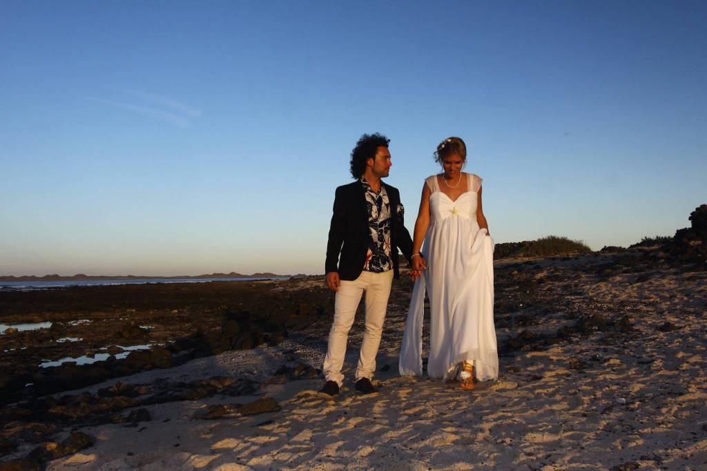 Matrimonio Spiaggia Fuerteventura : Ale e gian matrimonio da favola a fuerteventura bergamonews