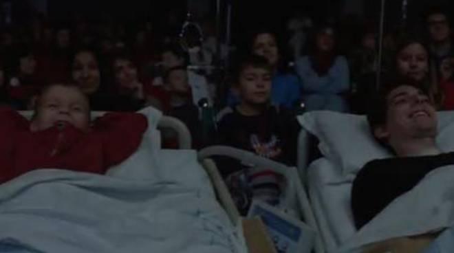bimbi cinema ospedale