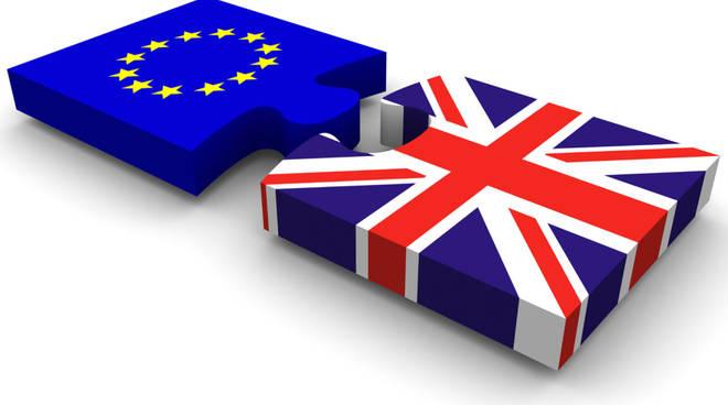 Risultati immagini per pacco brexit