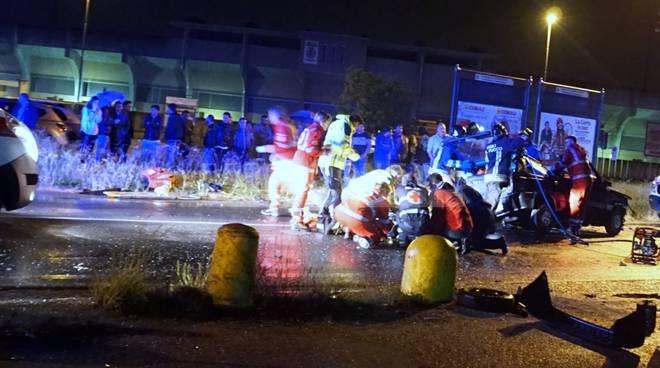 Schianto nella notte in provincia di Bergamo: tre ragazzi morti