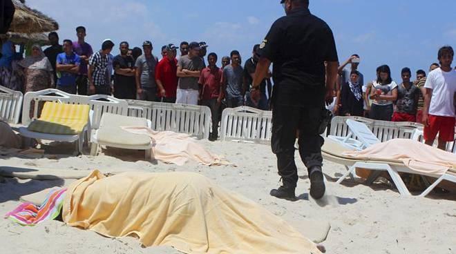 attentato spiaggia tunisia