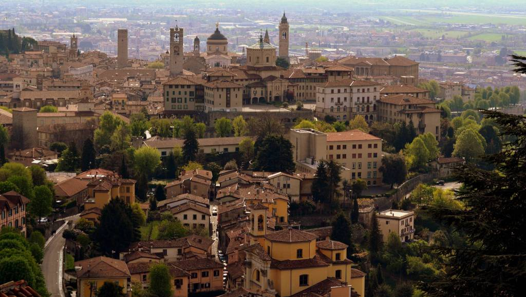 """Bergamo? """"Ha la piazza più bella d'Europa"""", uno dei 10 ..."""