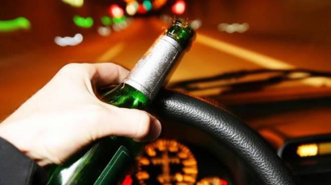 Ubriachi al volante, 19 patenti ritirate tra Bergamo e Brescia