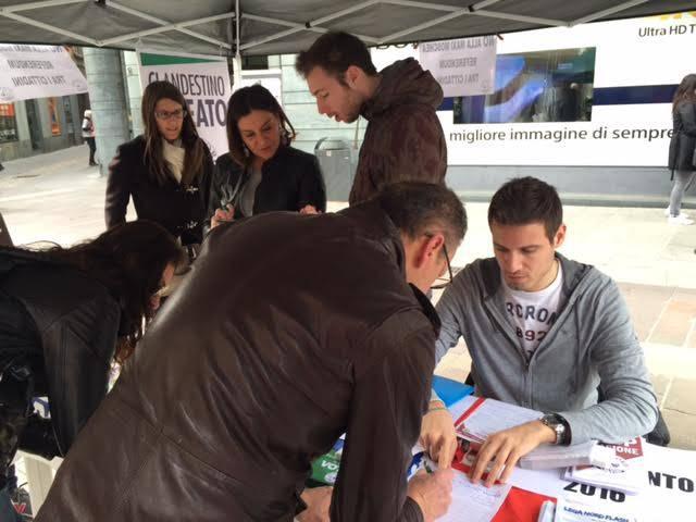 Raccolta firme Lega Nord 2