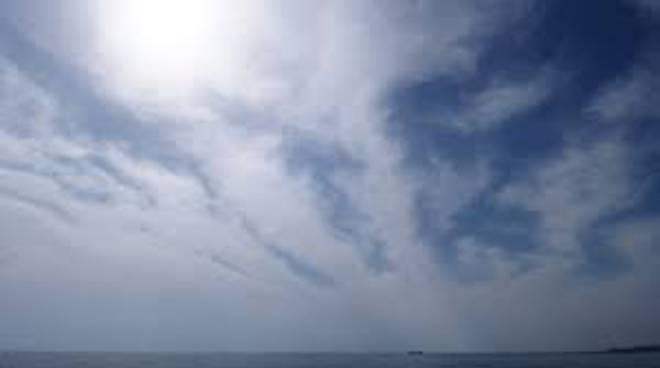 Cielo velato e poche nuvole fino a sabato