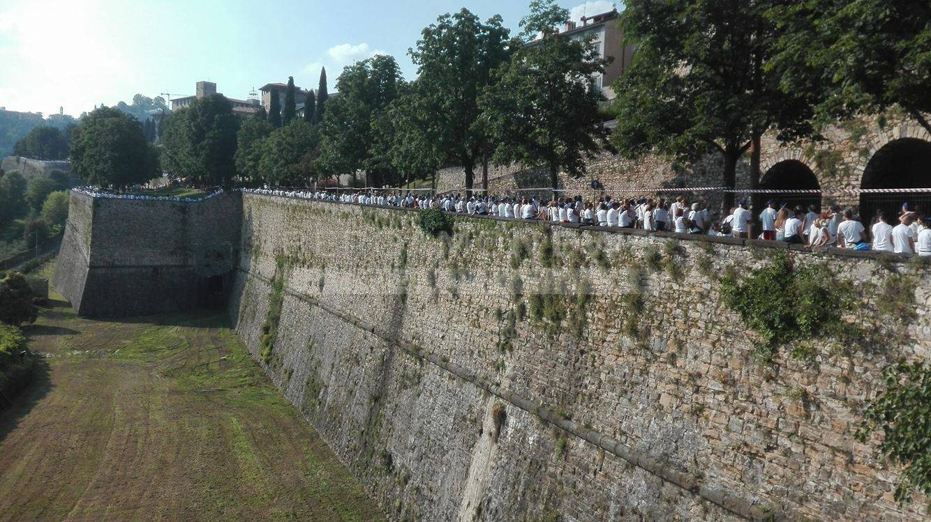 In attesa dell'Abbraccio delle Mura