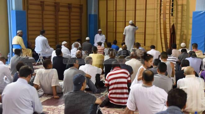 """Il Comitato Musulmani: """"Redona ci ha accolti: ma da giovedì siamo di nuovo in strada"""""""