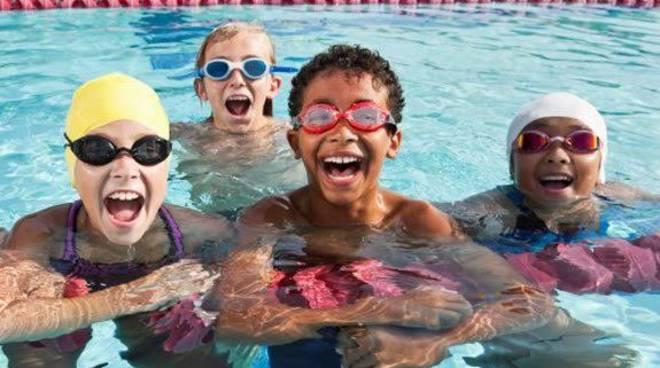 Nuota con tuo figlio gratis a seriate bergamonews - Piscina comunale treviglio ...