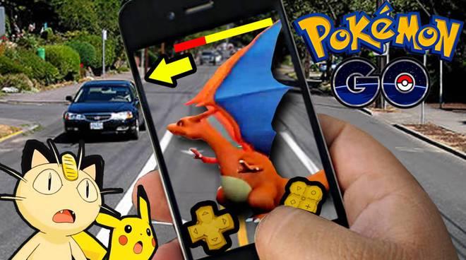 Pokémon GO: stazione di polizia invasa da Allenatori di Pokémon