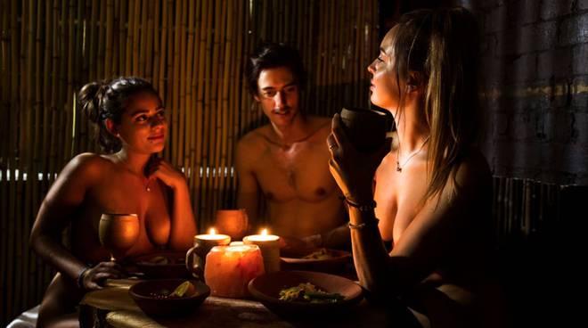 ristorante nudista