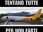 Incidente aereo, l'ironia dei social