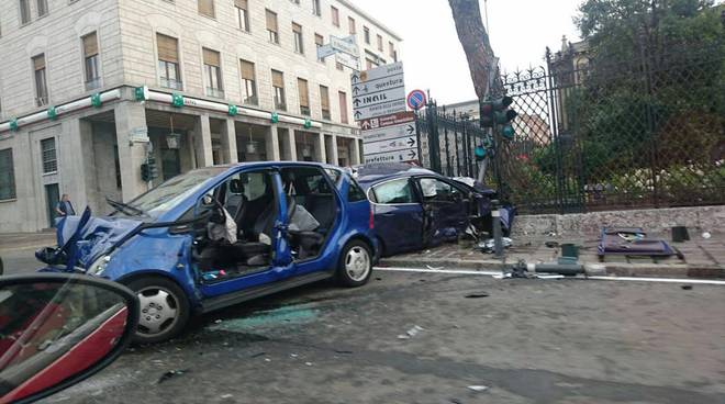 incidente via petrarca