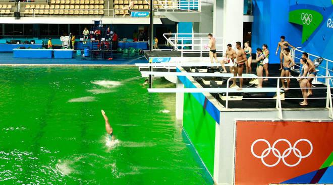 piscina verde rio