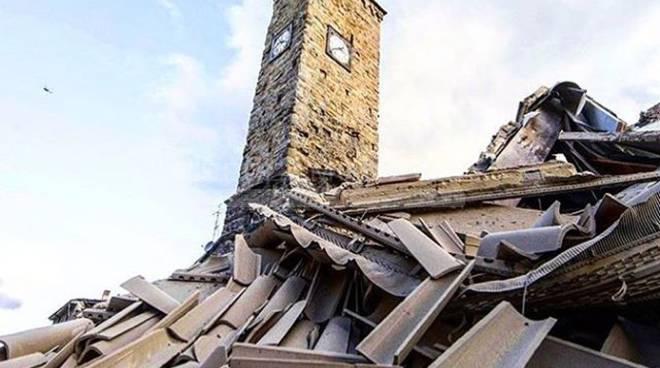 Terremoto, le immagini della disperazione su Instagram