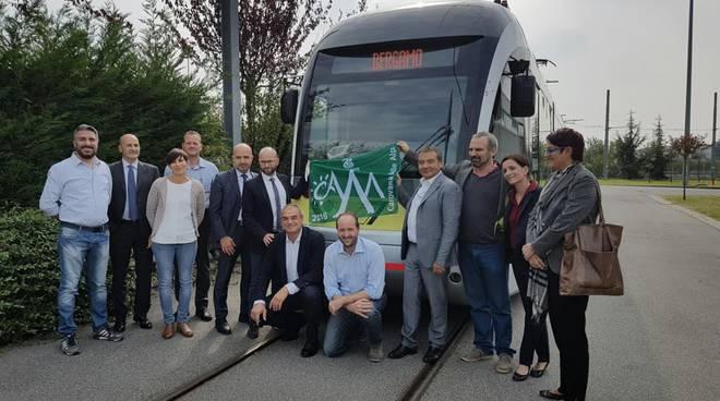 Mobilità sostenibile, Legambiente premia il tram delle valli con la bandiera verde