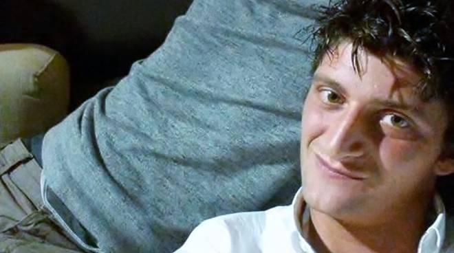 """""""Addio Daniel"""": gli amici e Sedrina piangono il giovane morto sulla strada"""