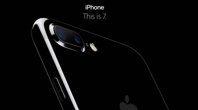 Prezzo, caratteristiche, uscita in Italia: tutto ciò che c'è da sapere su iPhone 7