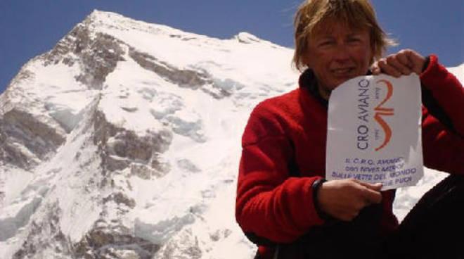 L'alpinista bergamasca Nives Meroi compie 55 anni: ha scalato 11 vette sopra gli 8mila