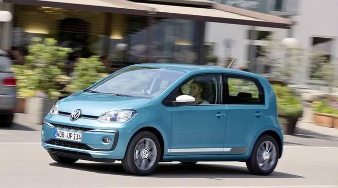"""Volkswagen sceglie via Paglia per lanciare la nuova Up: """"Bergamo per parlare all'Italia"""" video"""