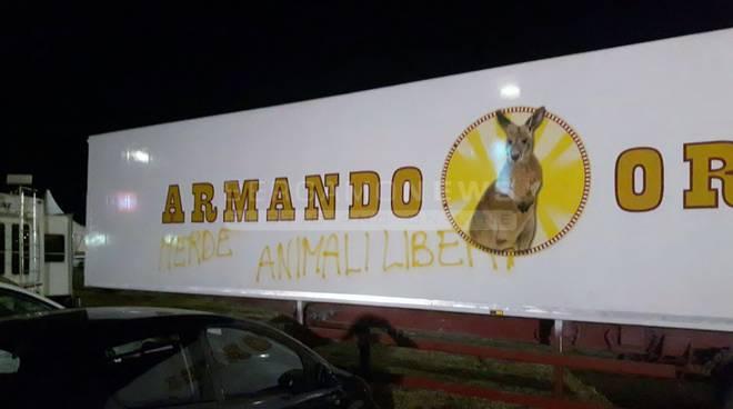 """Animalisti contro il circo Orfei, la replica: """"Rispettiamo le leggi e loro ci attaccano"""" foto"""