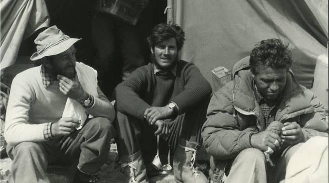 Walter Bonatti, 5 anni fa la tragica scomparsa dell'uomo-avventura fotogallery
