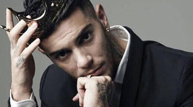 Il rapper Emis Killa incontra i fan a Le due Torri di Stezzano